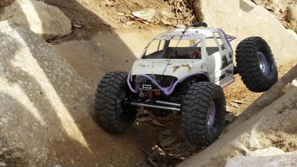 Brazin Scale RC, JT Hobbies, Toyzuki Fabrication, Holmes Hobbies, Pro-Line, Savox, Castle Creations, crawler, off-road