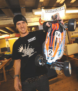 Lee Martin signs with the Tamiya 1/8 Off-Road Team