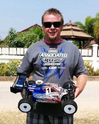 Ryan Maifield TQs rounds 1 & 2 in a charge for a IFMAR World championship