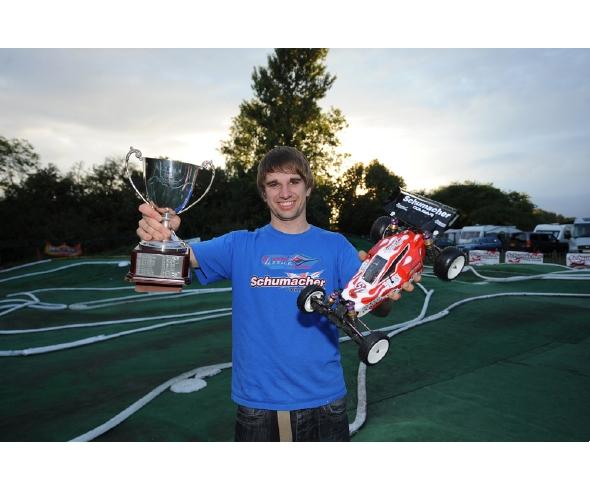 Schumacher Cougar SV wins the BRCA British 2WD Off Road Championship