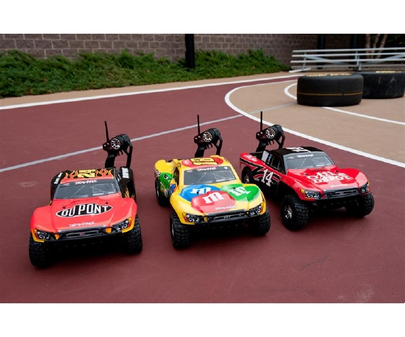 "Kyle Busch, Tony Stewart, and Jeff Gordon race Traxxas Slashes on ESPN's ""NASCAR Now"""