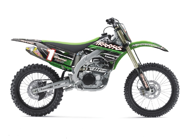 Traxxas to give away 17 Custom Kawasaki KX 450F motorcycles in Supercross Sweepstakes