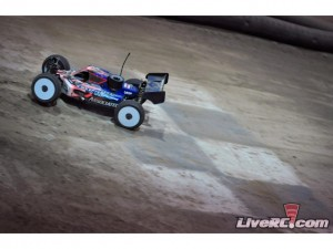 Team Associated, Motorama, pennsylvania farm show complex, ryan maifield, ryan cavalieri, brent thielke, nitro offroad, electric offroad, RC8T CE truggy, RC8B buggy, Reedy, rcca, radio control, rc car action, scotty ernst productions, photo 2, solo buggy, floor