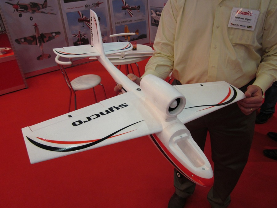 Syncro airplane