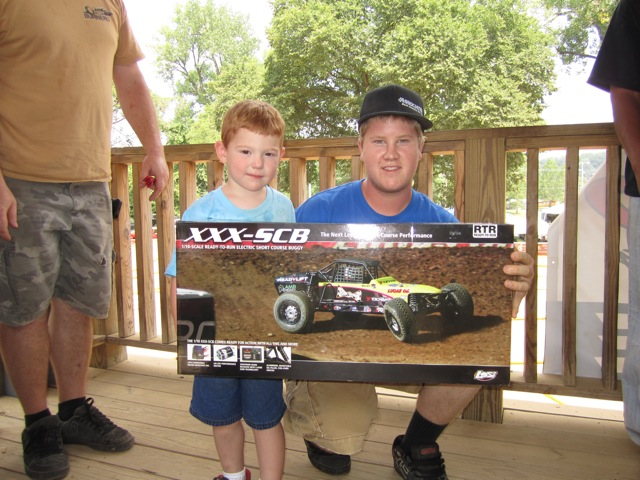 Whatt Hall was the winner of the XXX SCB.  He was roosting the pits with it within minutes!