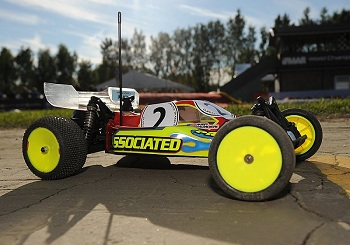Pro-Line BullDog Body For The +8mm Team Associated B4.1 Chassis