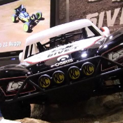 Losi 5IVE-T 1/5-scale Short Course Truck Inside Look VIDEO