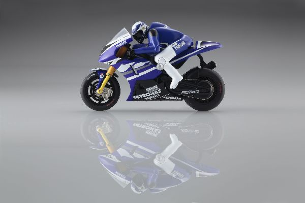 Kyosho Yamaha Factory Racing YZR-M1 2011 No.1