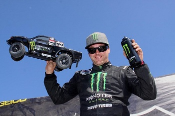 Team Associated's Kyle LeDuc Sweeps The LOORRS Podium Making It Four Wins In A Row