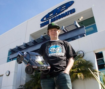Team Associated's CJ Greaves Youngest Driver To Win A Pro2 Race