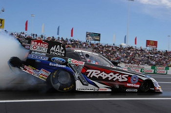 Traxxas' Courtney Force And Robert Hight Lead The Way In Raceway Park