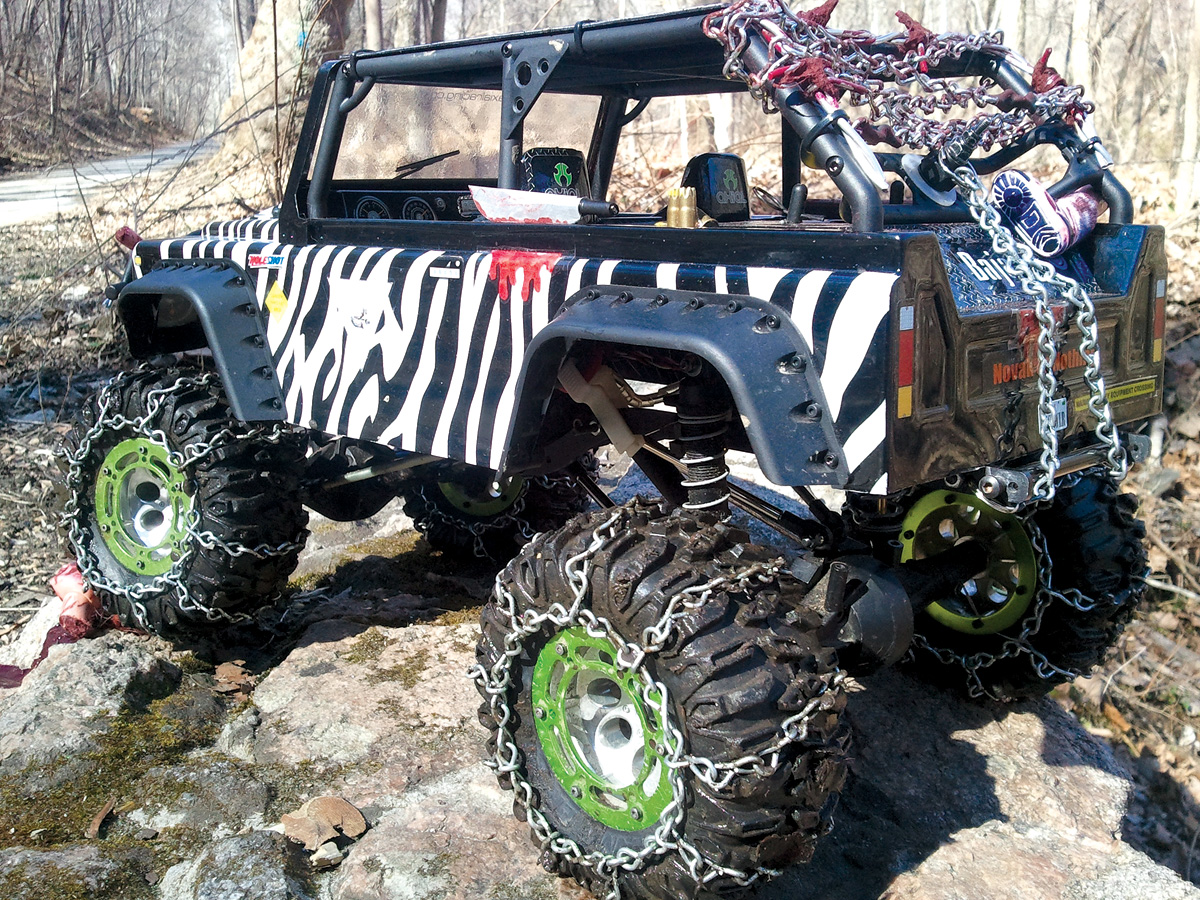 "Readers' Rides: Custom Axial AX10 Dingo ""Zombie Truck"" [November 2012]"