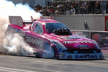 Traxxas Crew Headlines Nominees For 2012 NHRA Full Throttle Hardworking Crew Award