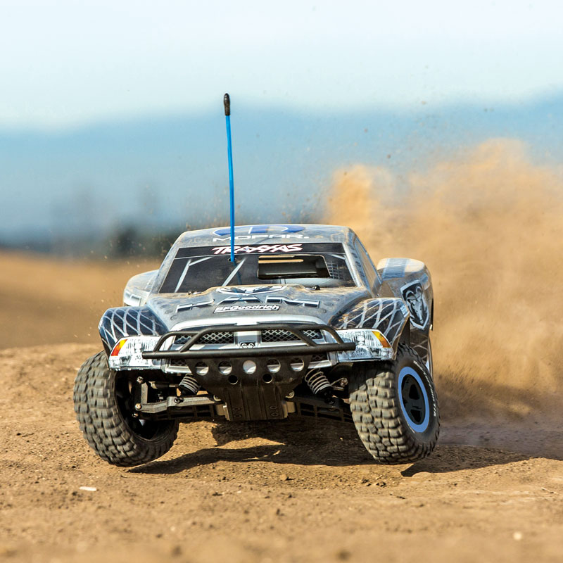 Traxxas Nitro Slash – World Exclusive!