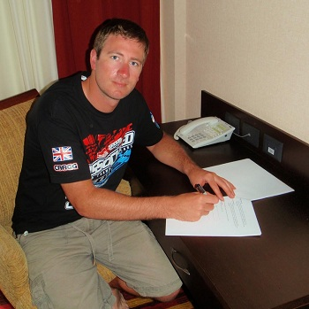 Neil Cragg Re-signs With Team Associated For A Multi-Year Deal