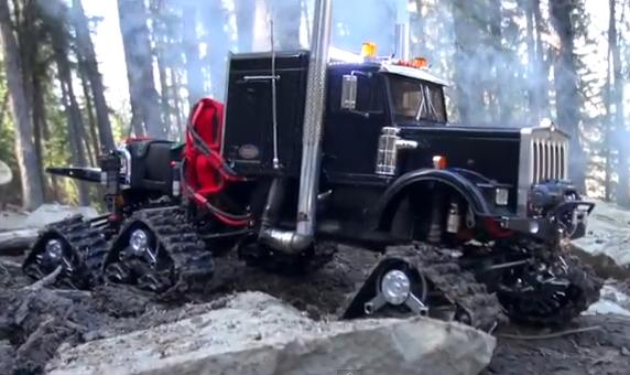 New Video! Mud-slinging 6X6-tracked Semi Truck