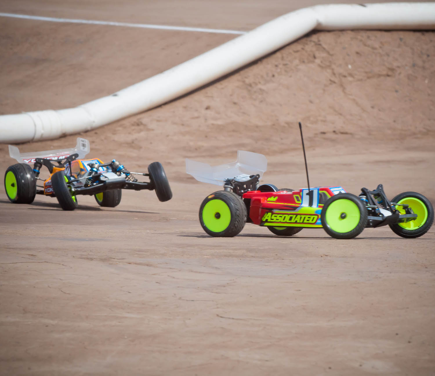 The British are coming! Lee Martin Wins Round Two at the 2013 IFMAR Worlds