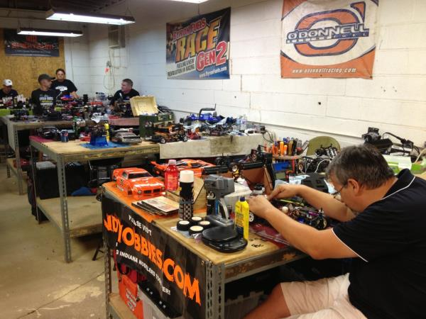 The pit area greeted all racers with comfortable, spacious, chair-level tables.