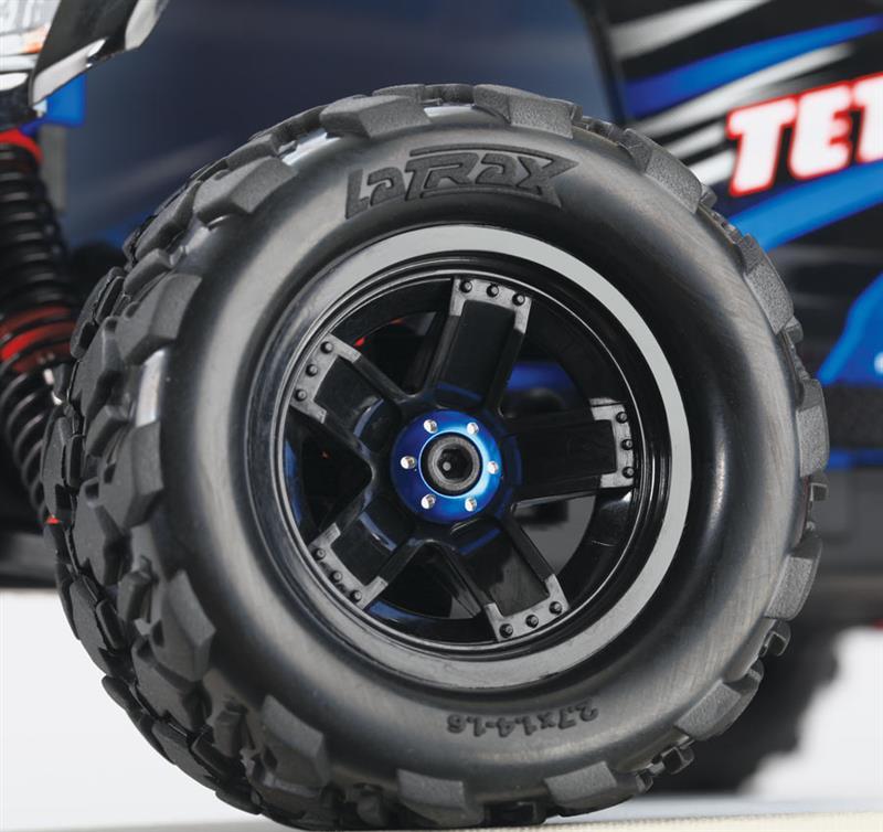 Machined-Aluminum-Blue-Wheel-Nut-Washer-Installed