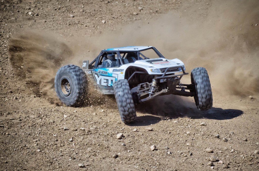 0094_TD_Axial_Yeti_Action