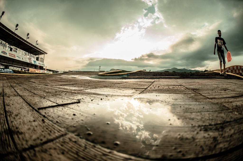 Round 4 saw sporadic wet conditions.