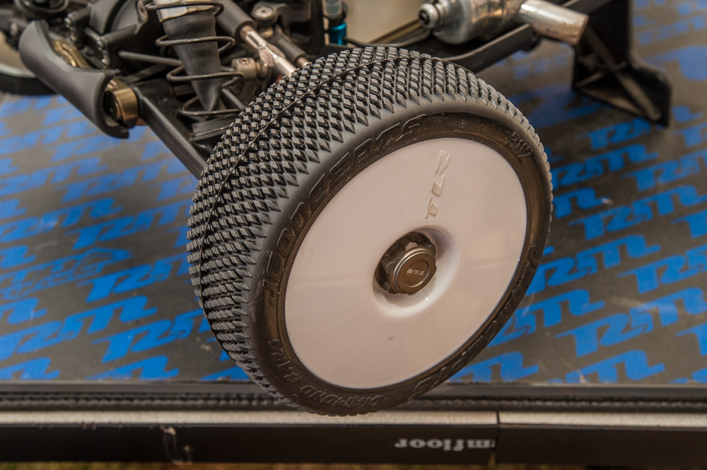 Ryan used JConcepts' new Diamond Bar tires.