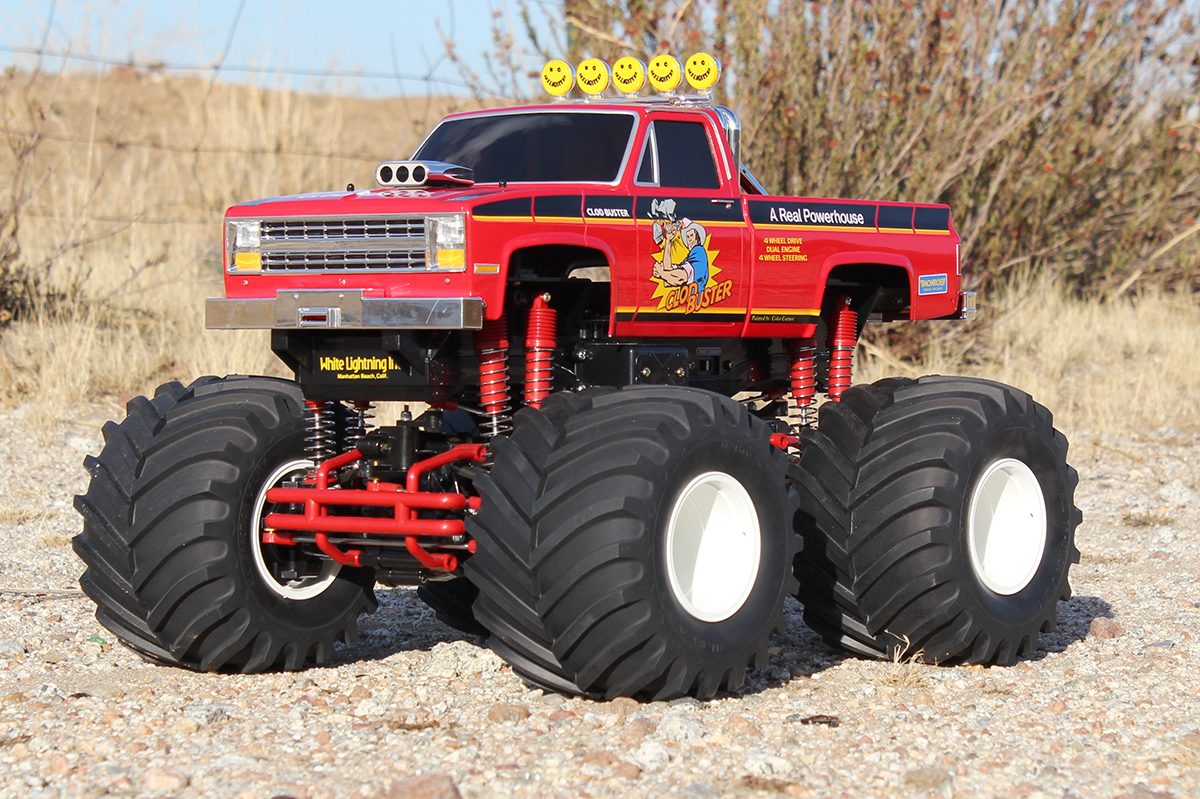 We Need More Solid Axle Monster Trucks! - RC Car Action