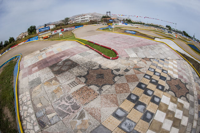 The 2014 IFMAR Nitro World Championships held in Italy used a variety of surfaces and was a successful event.