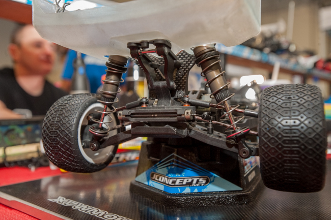 The rear of the SRX-4 buggy incorporates a sway bar and has solid suspension.