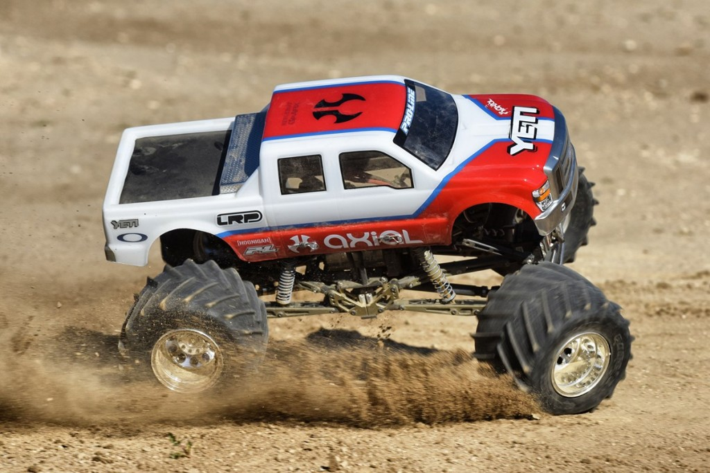 0222_Axial_Yeti MT_Action (Copy)