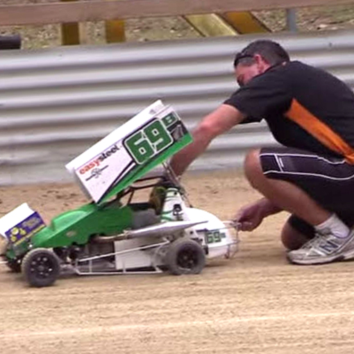 1/5 Scale Dirt Oval Racing? Sign Us Up! - RC Car Action
