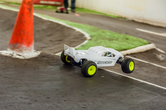Team Associated's Rob Gillespie Jr. has had limited ttime with his new T5M, but was able to drive it to the TQ spot.