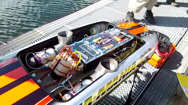 gas powered rc car that is with One Jet Engine Is Cool This Boat Has Two Video on 41p Lightlead 1 10 in addition Ktm Rc 390 Vs Hyosung Gt250r additionally Mercedes Amg Logo besides 14 Scale Peterbilt Rc Truck Vs Nissan Patrol Suv further Vaterra Rc Police Camaro.