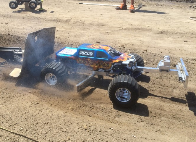 No Limit RC: More Racing, Truck Pulls And Hill & Hole Action