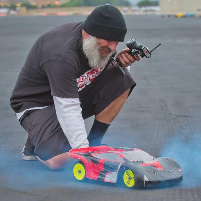 Poseidon Speed Run Speeds Top 125mph – Nic Case Attempts 2-Cell LiPo Record