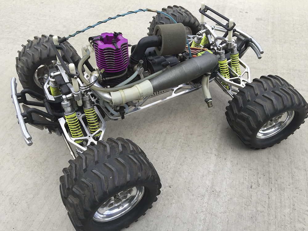 Traxxas T-Maxx, Supermaxx, monster truck,  Pro-Line Chevy body, Unlimited Engineering, OFNA, Reader's Ride