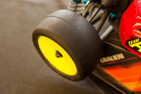 """The buggy was equipped with AKA """"Slick"""" (yes, that is their name) tires with the company's newest black molded closed cell inserts. He experimented early on with other inserts, but settled on these for the mains."""