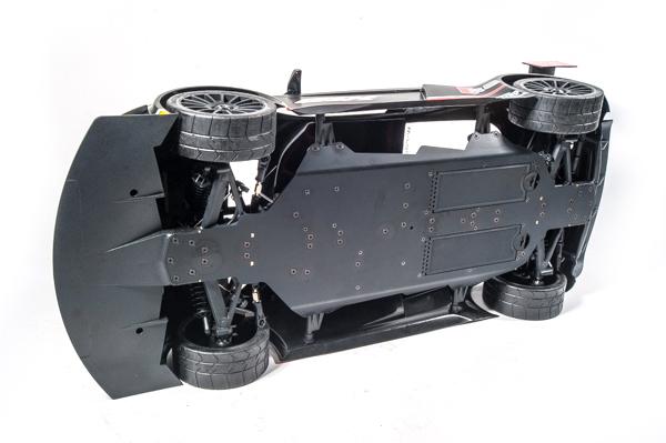 Losi Audi R8 LMS Ultra FIA-GT3 AWD RTR underneath