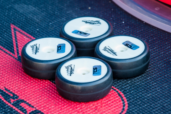 A batch of Sweep spec tires caused problems in the first round of qualifying eventually causing the round to be redone to keep racing fair for everyone.