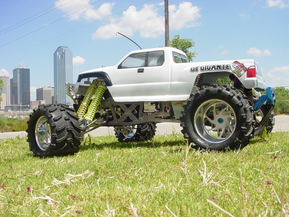 HPI Savage XL 5.9 by Ulysses Prioleau [Reader's Ride]