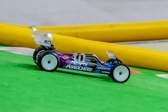Like other Team Associated Factory Team drivers, Rivkin drove a custom built, AstroTurf-optimized RC10B5M.