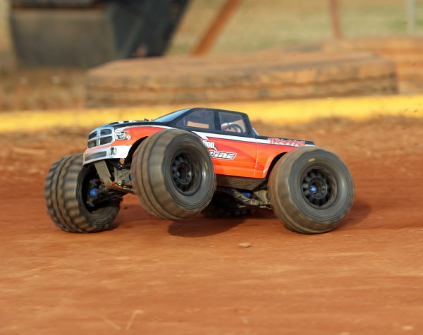 Kev's Bench: Upgrading The Traxxas E-Maxx