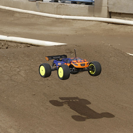 Losi RTR Ryan Maifield And Dakotah Phend Edition Mini 8IGHT-T Truggies (11)