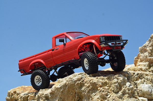 RC4WD Trail Finder 2 RTR With Mojave II Body Set (1)