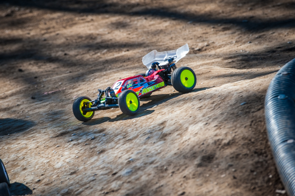 Team Associated Engineer and Factroy Driver Kody Numedahl believes modern buggies work in all conditions and is currently running his buggy with the same set-up he developed on OCRC's high-bite clay.