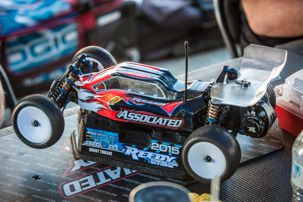 Team Associated's Team Manager Brent Thielke is an exception to the rule is choosing to run the rear-motor B5.
