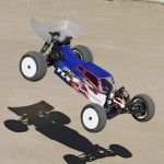 Team Loso Racing TLR 22 30 2WD buggy  4