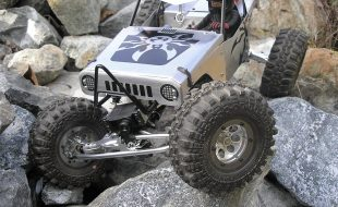 Custom Axial Wraith Crawler by Ken Takemoto [READER'S RIDE]
