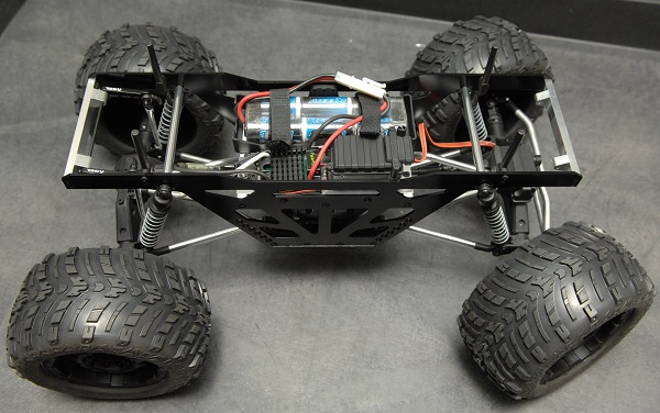ST Racing Concepts CNC Machined Aluminum Monster Truck Racing Chassis Kit For The Axial Wraith (2)