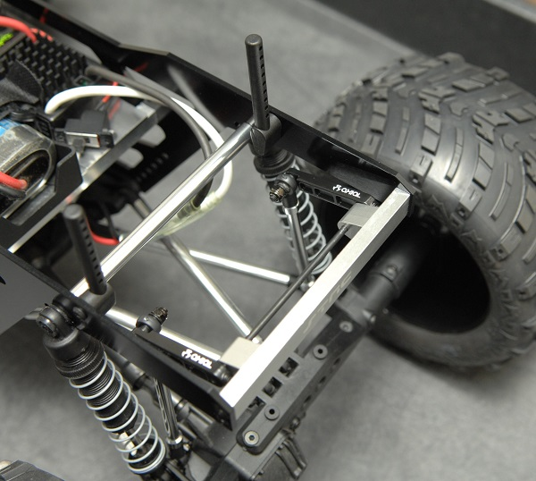 ST Racing Concepts Izilla Monster Truck Racing Chassis Kit For The Axial Wraith (5)